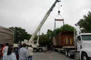 2007 WP668 on truck with crane