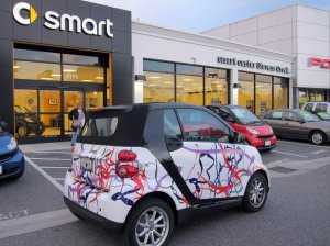 2009 SmartCar with Kite Strings wrap in 2010