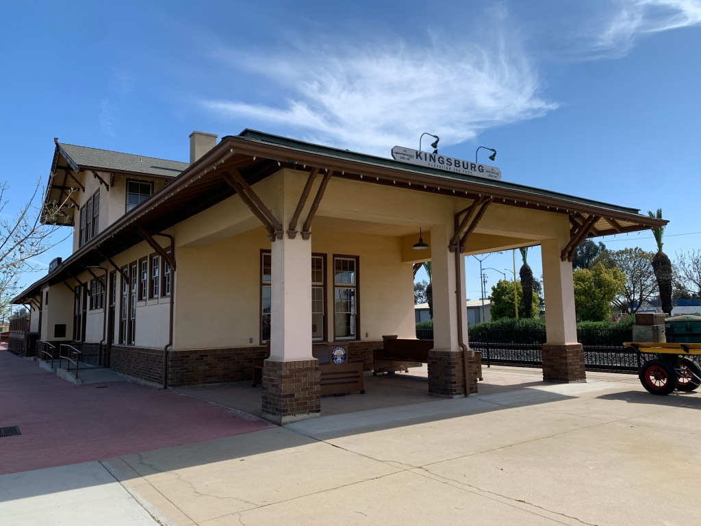Kingsburg CA train station, 2 April 2021